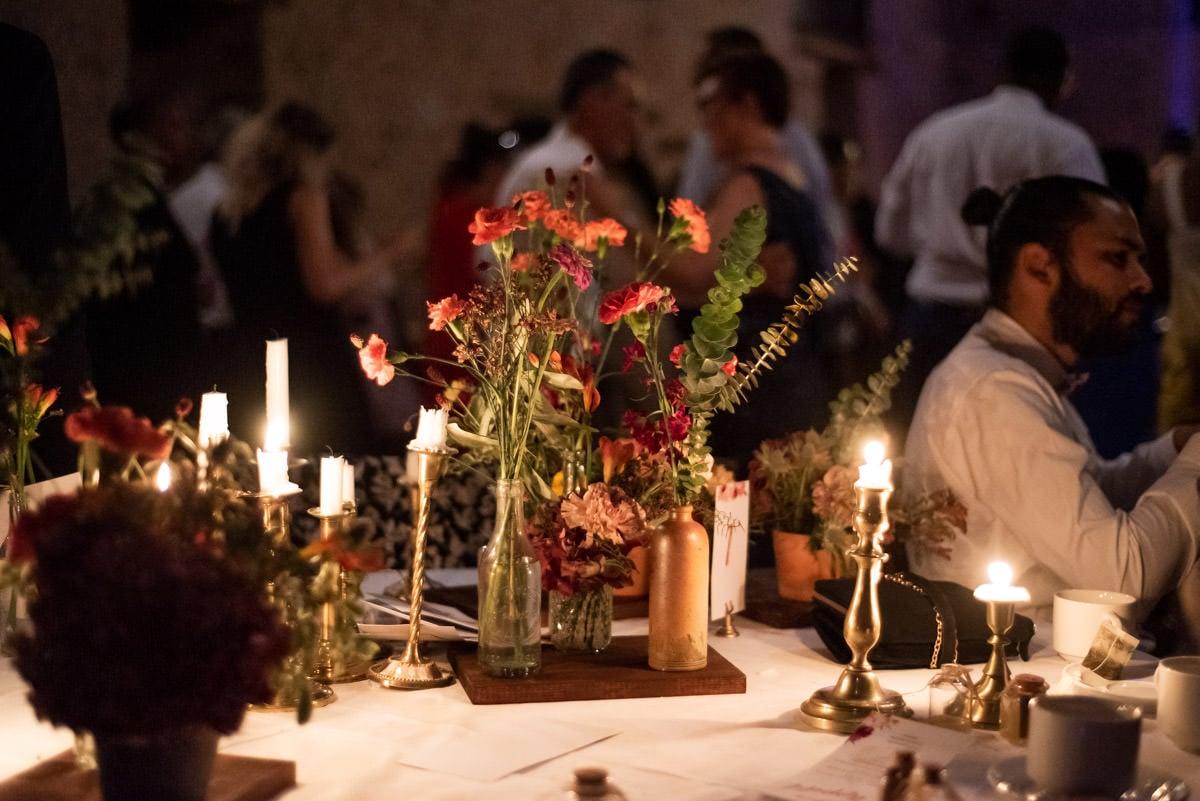 Table de fin de soirée très chic au château de l'Eperonnière à Rochefort sur Loire